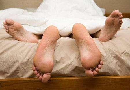 男人包皮过长影响健康 治疗最好在婴儿期